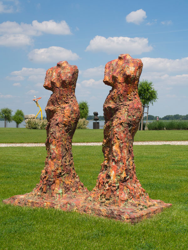 Jim Dine (USA) – Double Torso | 2008 | painted bronze | 160 cm